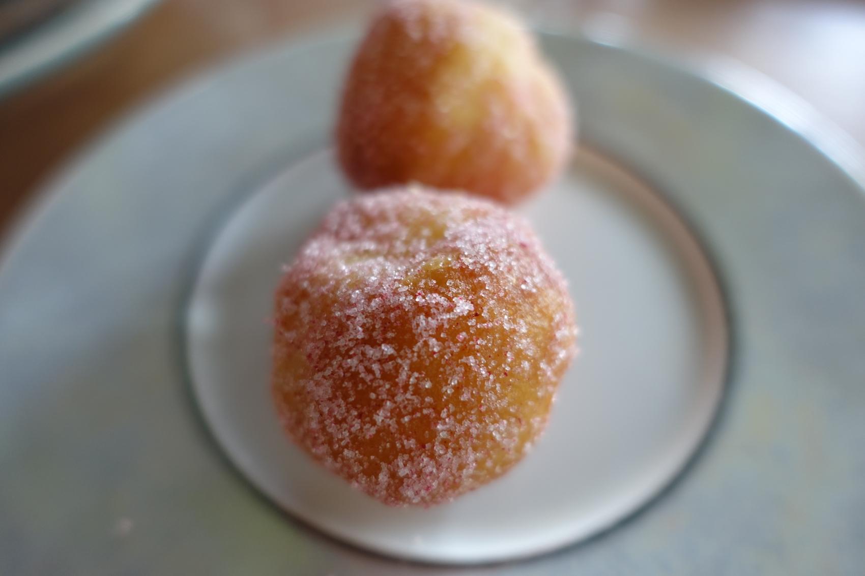 Mini-beignet à la framboise (Crédit photo: Xuxu/Almamat(t)ers)